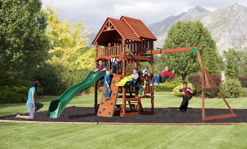 Choosing A Playset We Asked The Experts - Wood backyard playsets